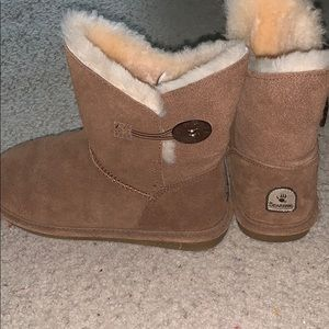 Bearpaw ankle boots!